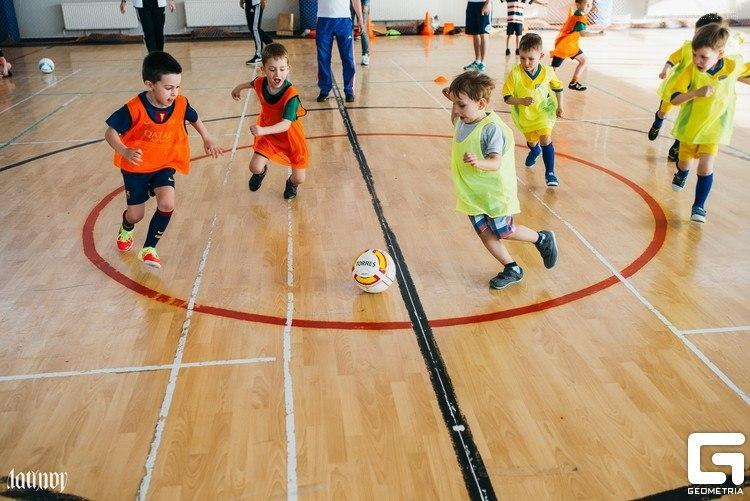 Целью любой школы должна быть подготовка футболистов для команды мастеров